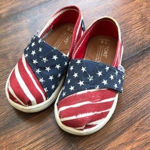 Toms patriotic shoe 🇺🇸🇺🇸🇺🇸
